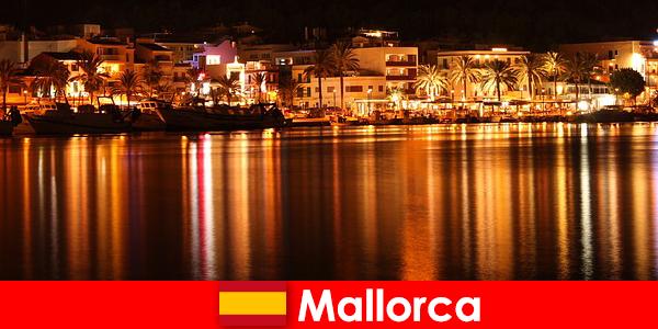 Het nachtleven op Mallorca met mooie vrouwen uit de erotische scene
