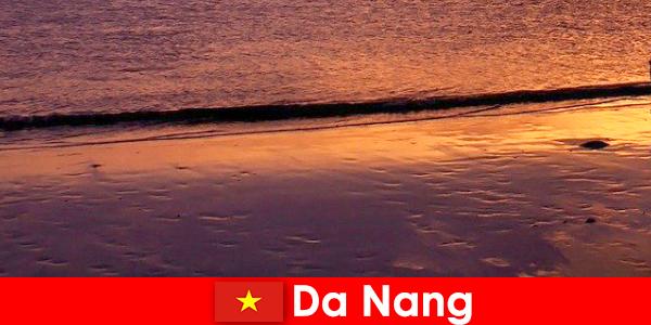 Da Nang is een kuststad in centraal Vietnam en is populair vanwege de zandstranden