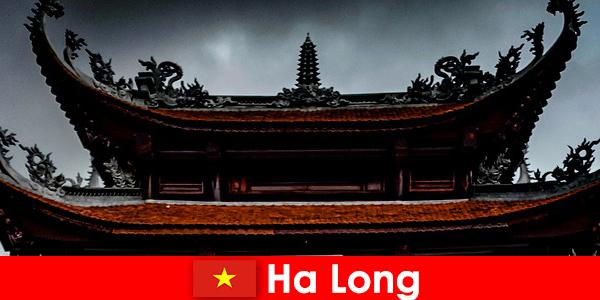 Ha long staat bekend als een culturele stad onder vreemden