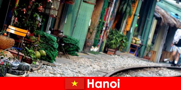 Hanoi is de fascinerende hoofdstad van Vietnam met smalle straatjes en trams