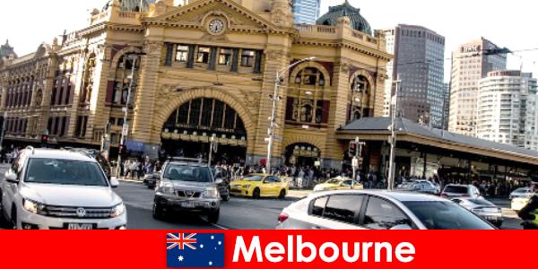 Melbourne's grootste openluchtmarkt op het zuidelijk halfrond, een ontmoetingsplaats voor vreemden