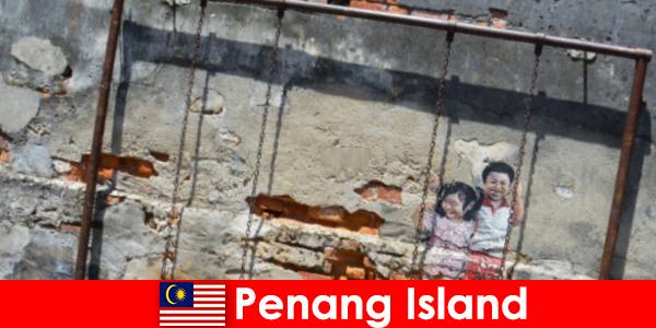 Fascinerende en diverse straatkunst op het eiland Penang verbaast vreemden