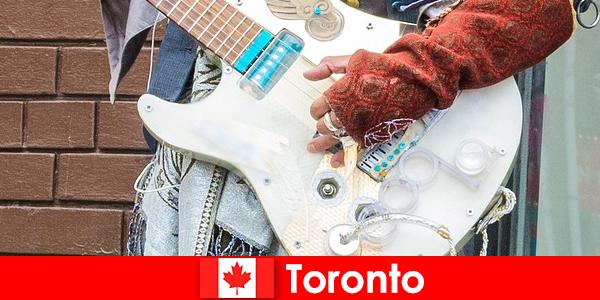 Vreemdelingen houden van Toronto vanwege zijn openheid voor de muziekscene van alle culturen