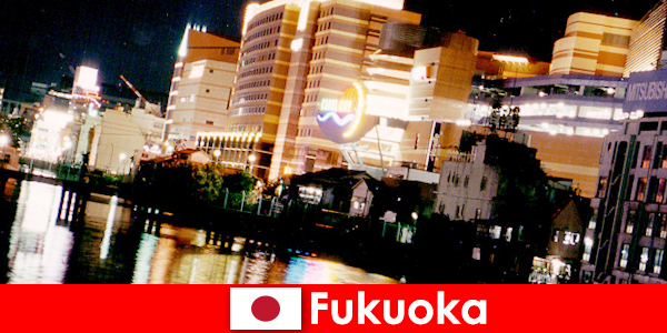 De talrijke disco's, nachtclubs of restaurants van Fukuoka zijn een uitstekende ontmoetingsplaats voor vakantiegangers